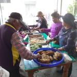 12-11.午餐配合享用老人關懷中心提供的中式菜餚