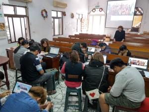 佳崇教會自辦網路研習,學習登錄排灣中會資訊網,本會並預定明年成立資訊組,善用中會資訊網站。