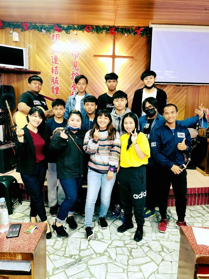 9-8.佳崇教會青少年受洗