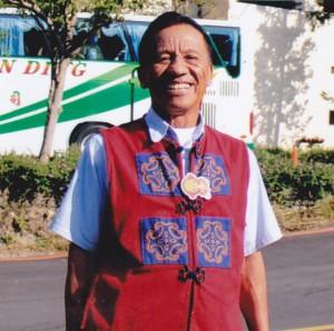 楊清己,年75歲。曾榮獲春日鄉歸崇村模範父親,屏東縣模範勞工。現為佳崇長老教會名譽長老。
