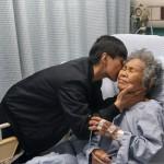 12-7.長年於北部的姪女賴翔雲南下探望已開刀的祖母賴高玉梅師母和加護病房的祖父賴光雄牧師1080502