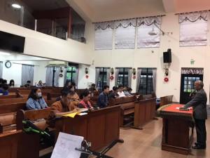 傳道部集體一對一實習指導的課程不受風雨阻擾,今天在部長孫子貴牧師駐牧的教會—泰武辦理。