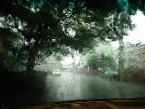 內心下著雨水