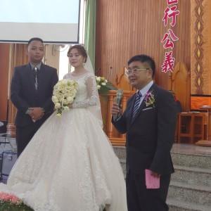 ★賴啟耀廖苡婷在比悠瑪長老教會結婚感恩禮拜,廖先生致謝詞。