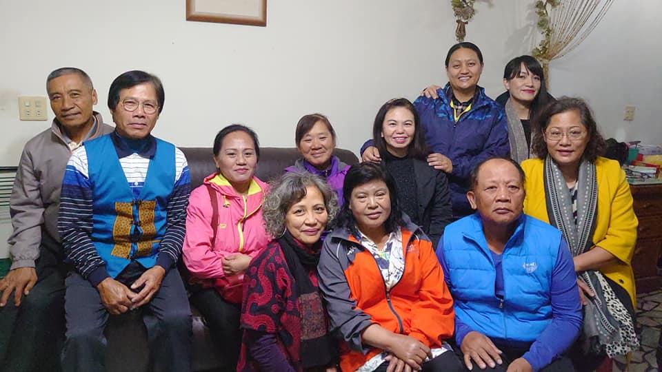 ◆佳崇教會牧師傅梅珠及長老執事於台南市慰訪莊清吉長老娘許瑛蘭。攝影/賴約翰 2020/12/23晚上