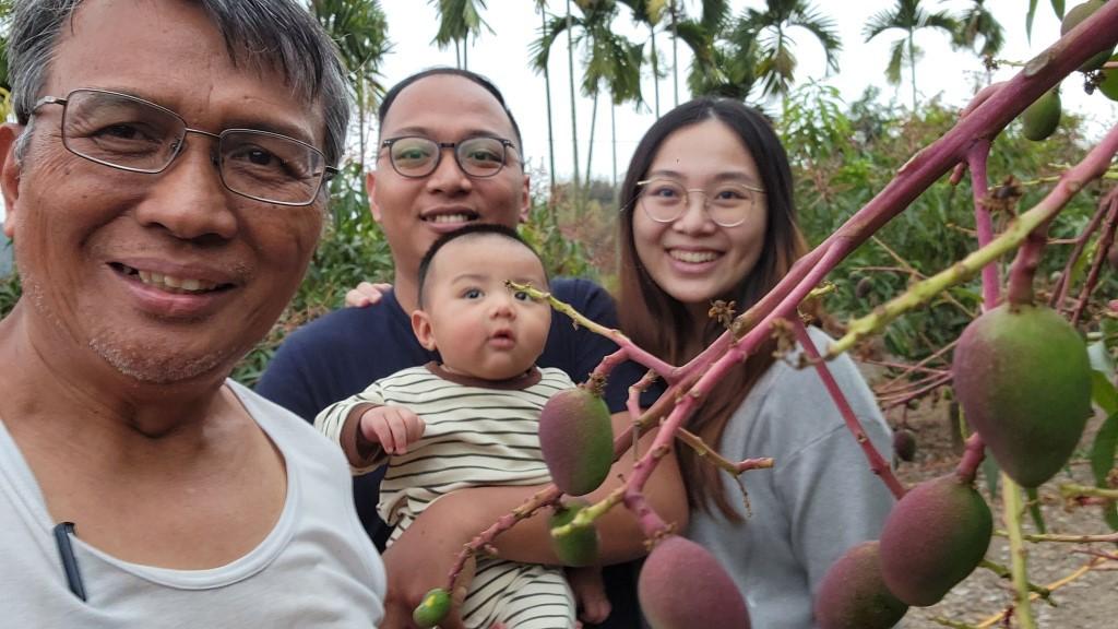 ◆兒子下班後、媳婦、長孫來覧小米園蔬果園之愛文果園。2021/03/28