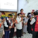 41-27.縣議員戴文柱致贈教會禮金65歲以上婦女