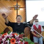 15-11.牧師傅梅珠祝禱